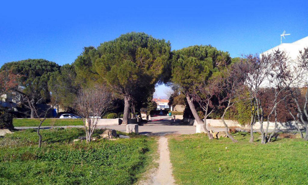 Miramas La Carraire parc urbain ateliers habitants